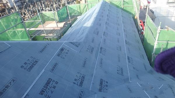 東京都杉並区 屋根カバー工法 野地板、ルーフィング張り (4)