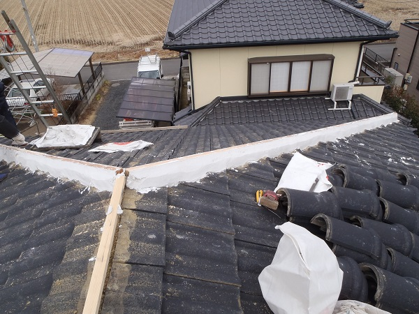 東京都中野区 瓦屋根・漆喰工事 棟瓦取り直し工事 (1)
