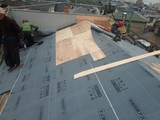 東京都中野区 屋根葺き直し 瓦屋根からガルバリウム鋼板に3