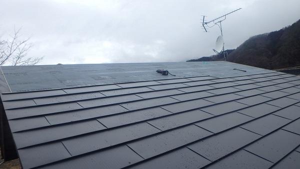 東京都中野区 屋根カバー工法(重ね葺き工事) 雪止め設置 (1)