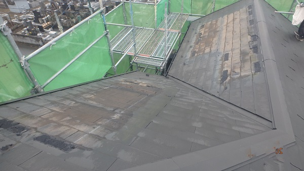 東京都中野区 屋根工事 棟板金、太陽光パネル撤去 野地板張り (1)