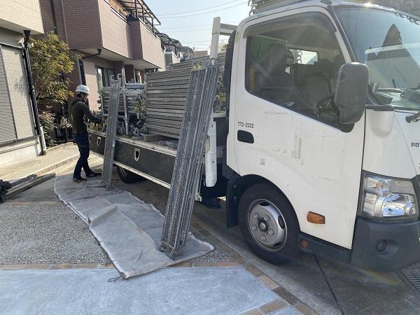 東京都世田谷区 屋根塗装 仮説足場設置 足場の重要性 (2)