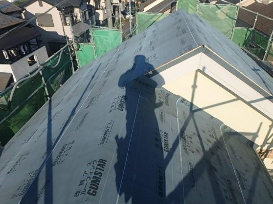 東京都中野区 屋根カバー工法(重ね葺き工事) スレート屋根(コロニアル)2