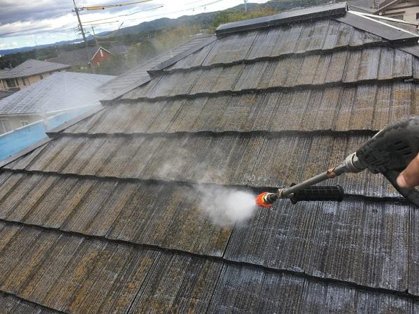 東京都世田谷区 屋根塗装 雨の日の高圧洗浄作業 (4)