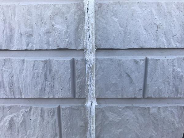 東京都杉並区 外壁塗装 現場調査 チョーキング現象 コーキング打ち替え工事 (2)