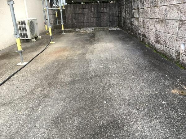 東京都世田谷区 屋根塗装 雨の日の高圧洗浄作業 (1)
