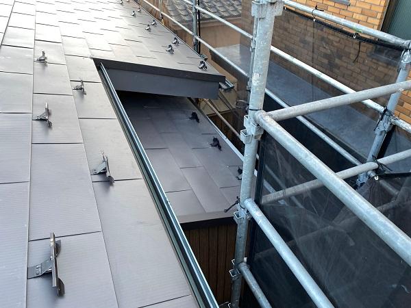 東京都世田谷区 屋根リフォーム工事 ガルバリウム鋼板 (2)