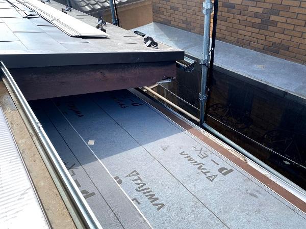 東京都杉並区 屋根カバー工法(重ね葺き工法) ガルバリウム鋼板横葺き (6)