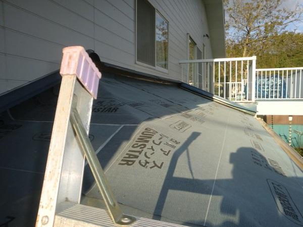 東京都世田谷区 屋根葺き替え工事 瓦屋根をガルバリウム鋼板に葺き替え (2)