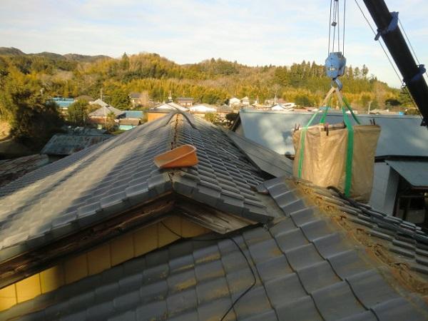 東京都中野区 和形瓦屋根の棟瓦取り直し工事 (2)