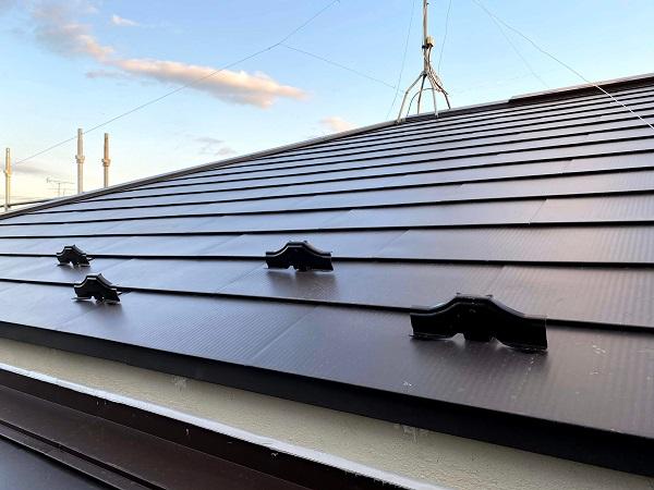 東京都杉並区 屋根カバー工法(重ね葺き工事) ガルバリウム鋼板ににリフォーム (1)