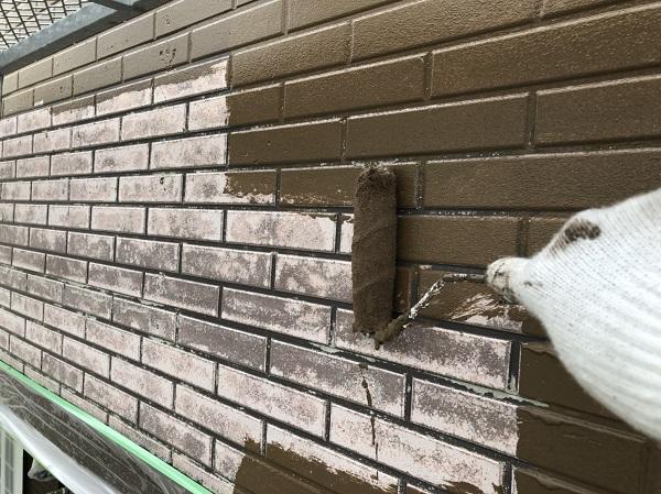 東京都中野区 外壁塗装 外壁中塗り 上塗り作業 (1)