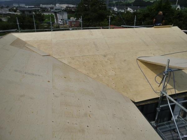 東京都世田谷区 屋根葺き直し工事 スタンビー333フラットタイプ (2)