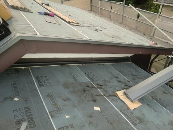 東京都杉並区 屋根葺き替え工事 ルーフィング張り ガルバリウム鋼板 (2)