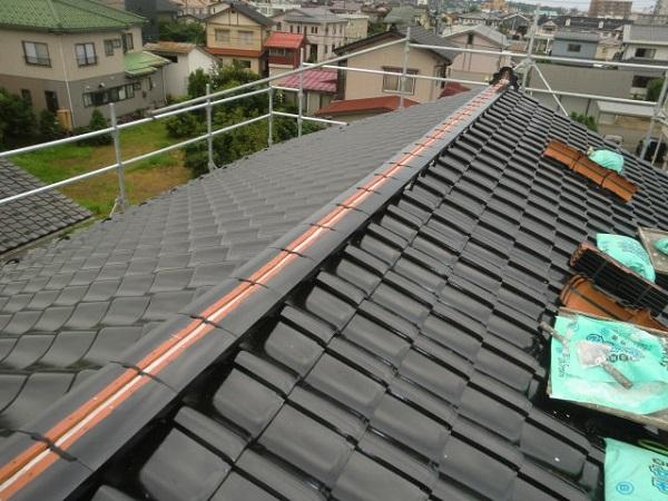 東京都中野区 厚熨斗瓦と五寸丸の和形棟瓦積み (1)