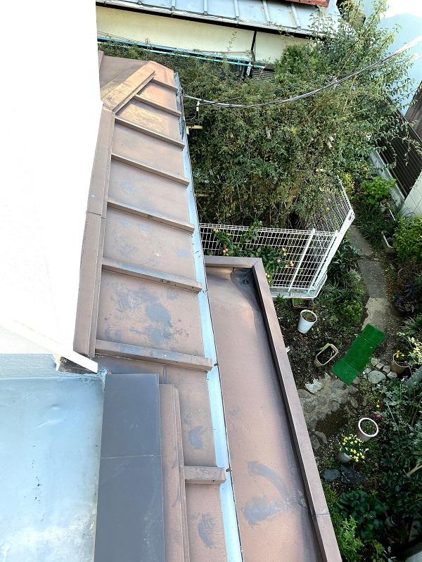 東京都杉並区 屋根カバー工法(重ね葺き工事) ガルバリウム鋼板ににリフォーム (3)