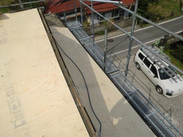 東京都杉並区 屋根カバー工法(重ね葺き工事) ガルバリウム鋼板ににリフォーム (5)
