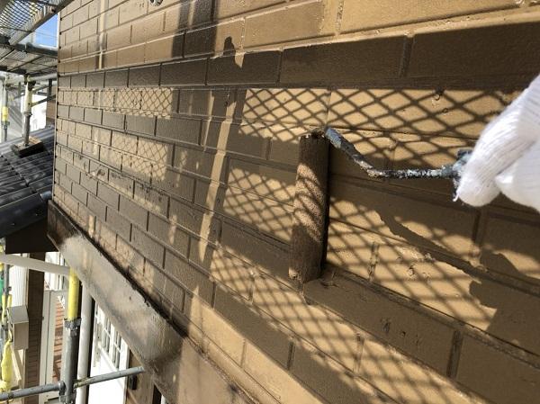 東京都中野区 外壁塗装 外壁中塗り 上塗り作業 (2)