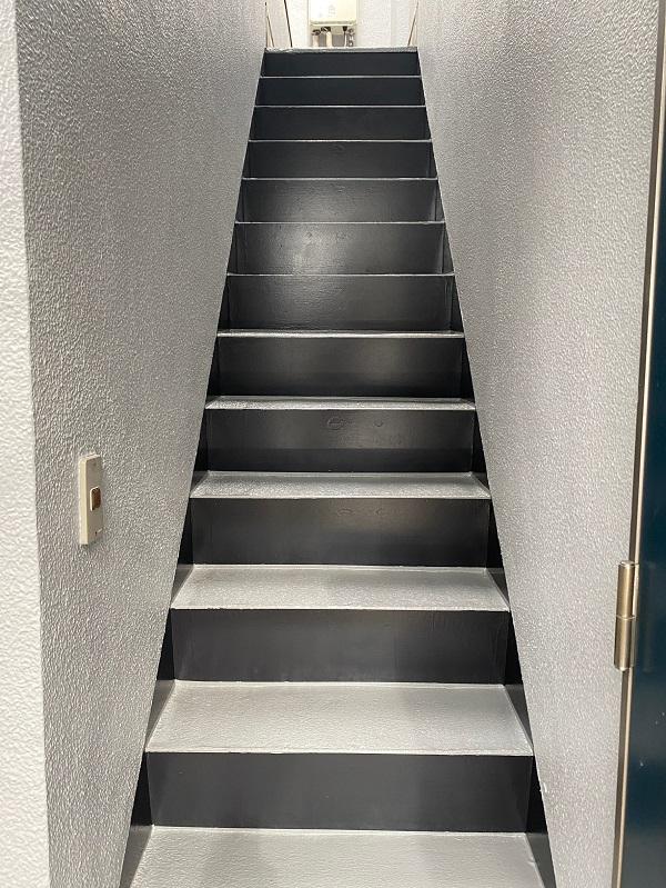 東京都世田谷区 外壁塗装・屋根塗装・防水工事 付帯部塗装 鼻隠し 階段 雨樋 (3)
