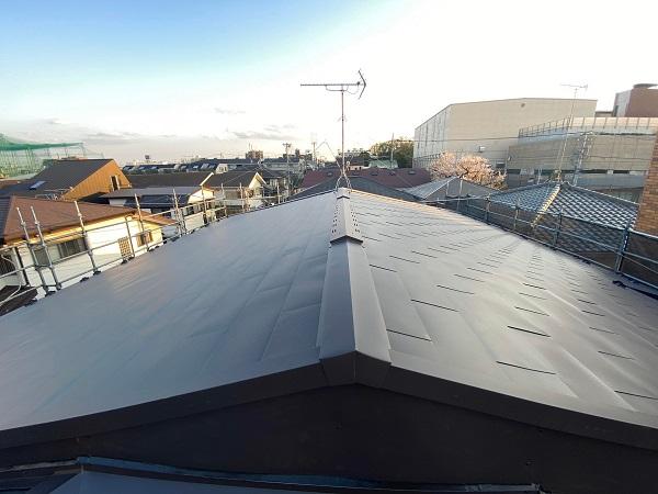 東京都杉並区 屋根カバー工法(屋根葺き替え工事) ガルバリウム鋼板