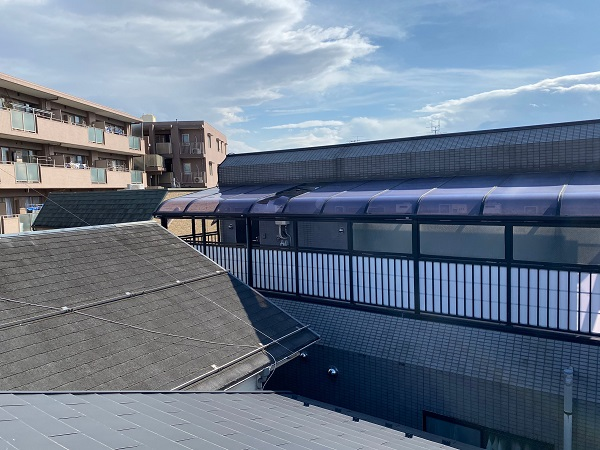 東京都中野区 アパート 外廊下の屋根破損 事前調査 (4)