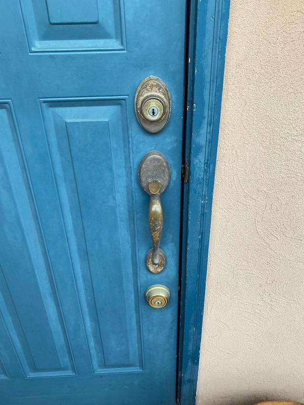 東京都世田谷区 外壁塗装・屋根葺き替え工事・付帯部塗装 玄関ドア (4)