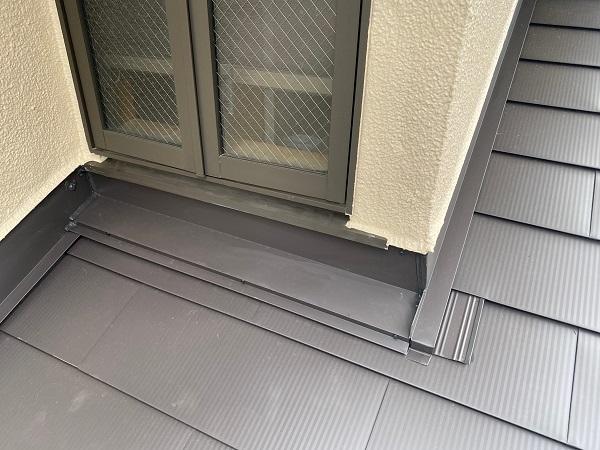 東京都杉並区 下屋葺き替え工事 外壁塗装 雨樋交換 ガルバリウム鋼板 貫板 棟板金 (1)