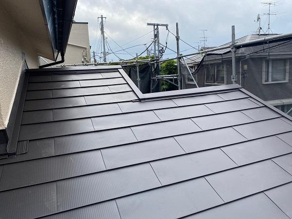 東京都杉並区 下屋葺き替え工事 外壁塗装 雨樋交換 ガルバリウム鋼板 貫板 棟板金 (2)