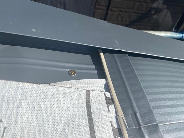東京都中野区 屋根葺き替え工事 ガルバリウム鋼板 貫板 棟板金 スクリュービス (1)