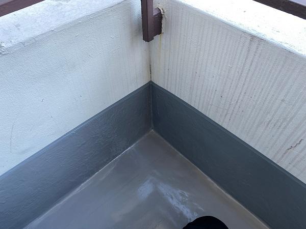 東京都杉並区 防水工事 ベランダ シート防水密着工法の工程 エポキシ樹脂注入 軒天材の交換 (1)