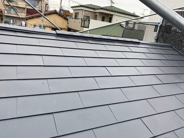 東京都杉並区 屋根カバー工法(重ね葺き工事)・コーキング工事 雪止めの設置 完工 (3)