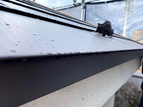 東京都世田谷区 屋根葺き替え工事 雪止めの設置 雪止め金具の重要性 (2)