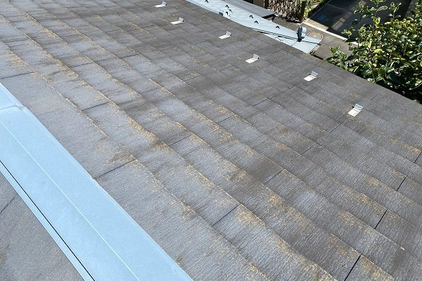 東京都杉並区 屋根カバー工法(重ね葺き工事)・コーキング工事 屋根材の劣化 屋根のリフォーム方法 (2)