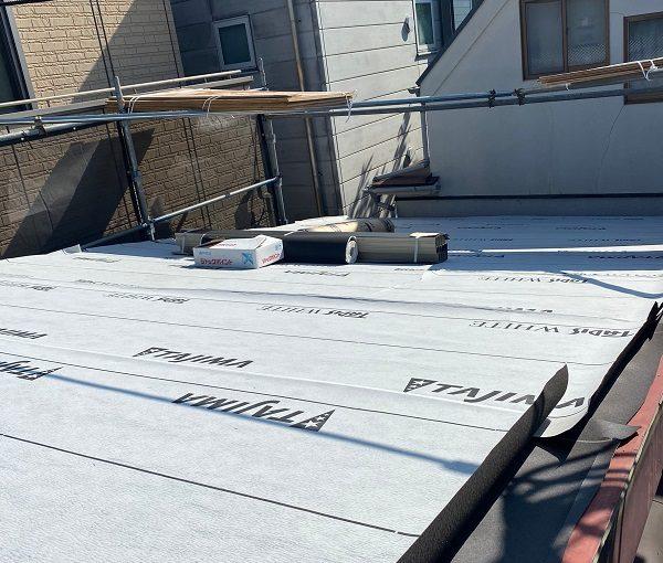 東京都中野区 屋根葺き替え工事 野地板の設置 F☆☆☆☆の構造用合板 田島ルーフィング タディスホワイト (3)