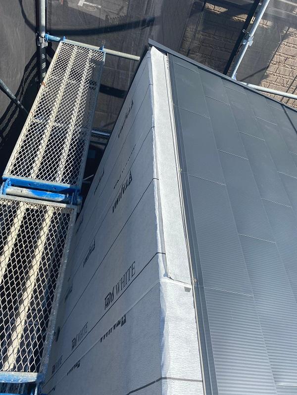 東京都中野区 屋根葺き替え工事 ガルバリウム鋼板 貫板 棟板金 スクリュービス (3)