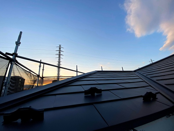 東京都世田谷区 屋根葺き替え工事 雪止めの設置 雪止め金具の重要性 (1)