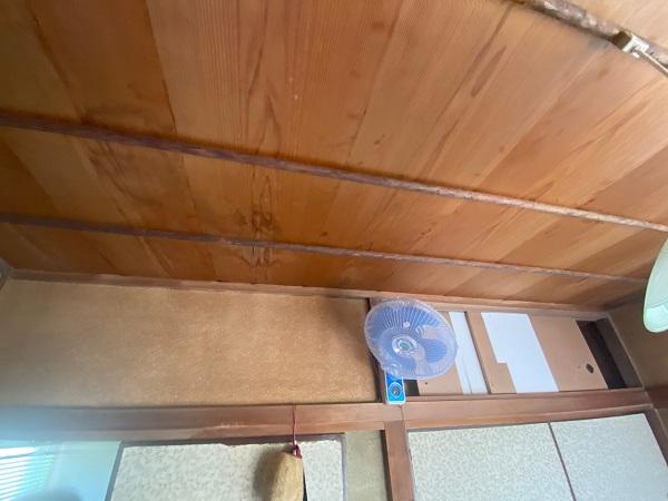 東京都杉並区 屋根カバー工法(重ね葺き工事)・コーキング工事 雨漏り 現場調査 天井のシミを見つけたら (2)