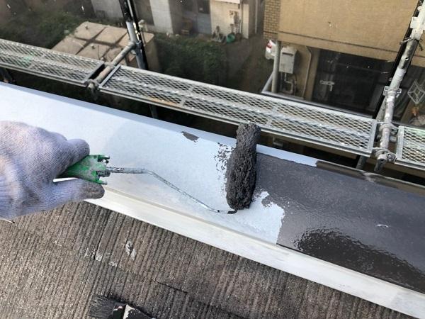 東京都世田谷区 外壁・屋根塗装等外装リフォーム 屋根塗装中塗り・上塗り 日本ペイントサーモアイSi (2)
