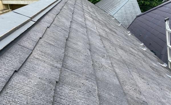 東京都世田谷区 外壁・屋根塗装等外装リフォーム 雨漏り調査 棟板金 屋根材の色褪せ・ひび割れ1 (4)