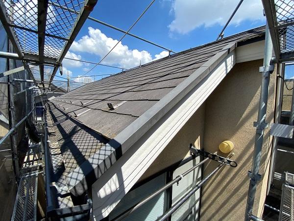 東京都世田谷区 外壁・屋根塗装等外装リフォーム 着工 近隣の方々へのご挨拶 急勾配屋根の足場設置1 (1)