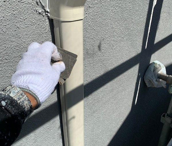 東京都世田谷区 外壁・屋根塗装等外装リフォーム 雨樋・水切り・エアコンホースカバーの塗装 (3)