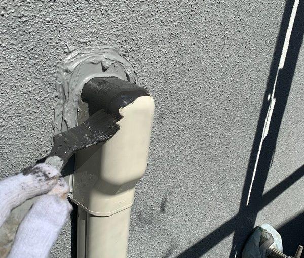 東京都世田谷区 外壁・屋根塗装等外装リフォーム 雨樋・水切り・エアコンホースカバーの塗装 (4)