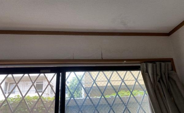 東京都世田谷区 外壁・屋根塗装等外装リフォーム 雨漏り調査 棟板金 屋根材の色褪せ・ひび割れ1 (1)