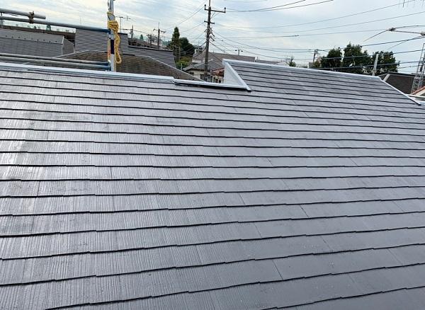 東京都練馬区 K様邸 屋根塗装 ブロック塀塗装 中塗り 重ね塗りの理由 (2)