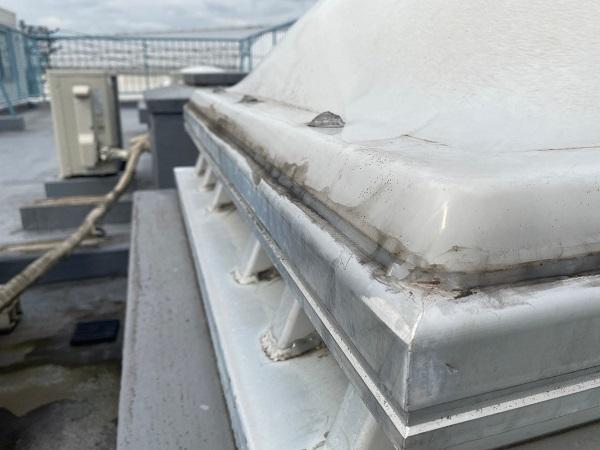 東京都世田谷区 Mビル 防水工事 屋上の劣化状況 天窓からの雨漏り (7)