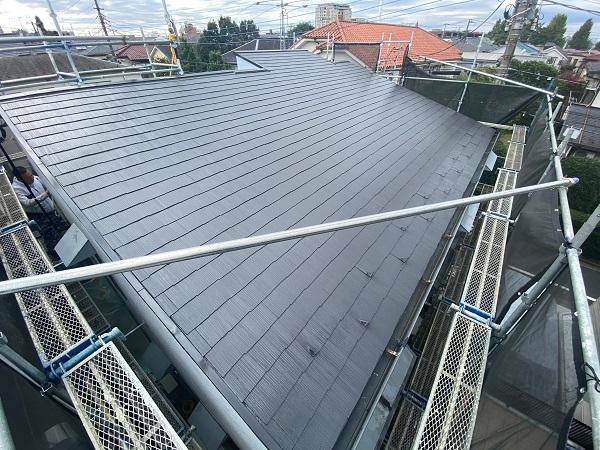 東京都練馬区 K様邸 屋根塗装 ブロック塀塗装 中塗り 重ね塗りの理由 (1)