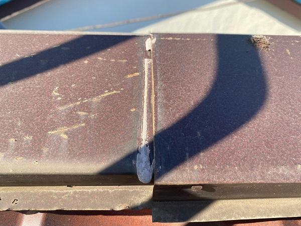 東京都大田区 N様邸 屋根塗装 事前調査 劣化症状 錆び 凹み 棟の浮き (5)