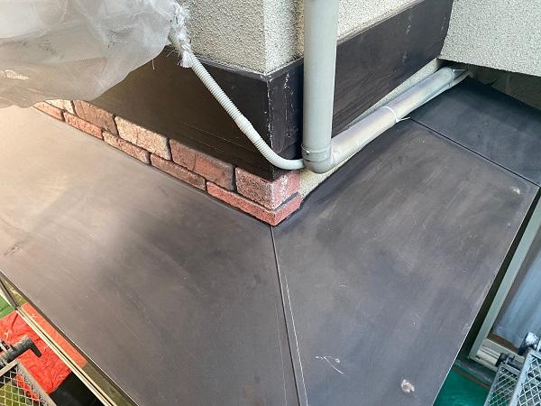 東京都杉並区 N様邸 屋根塗装・外壁塗装・付帯部塗装 庇の塗装 ケレン作業 (5)