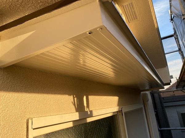 東京都杉並区 N様邸 屋根塗装・外壁塗装・付帯部塗装 庇の塗装 ケレン作業 (3)