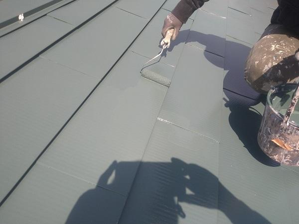 東京都中野区 T様邸 屋根塗装 破風板板金巻き 3度塗り 中塗りが必要な理由 (1)